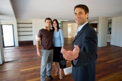 Real estate client with agent