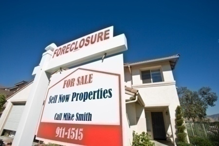 foreclosed_home_sign