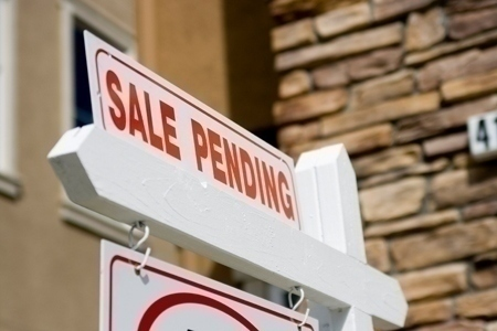Pending Home Sales Falter to 12-Month Low