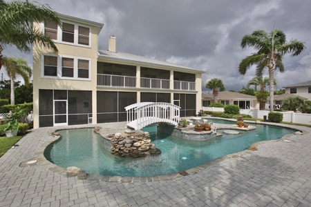 Riverfront_Florida_Estate
