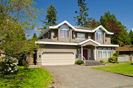 How to Effectively Market Yourself at Your Next Open House