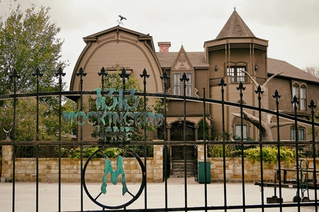Munsters_Home