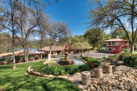 Delightful Ranch_living_Calif