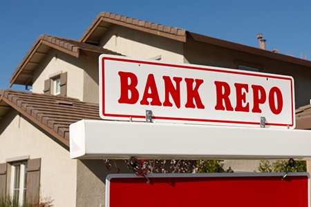 Foreclosure Activity Increases 7 Percent in July, Bank Repossessions Reach 30-Month-High