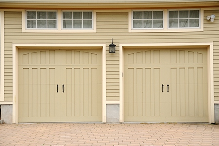 Two-Car Garage Most Common in New Homes
