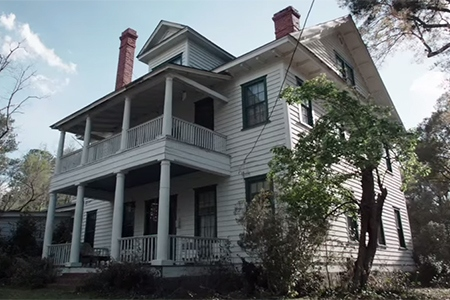 conjuring_house