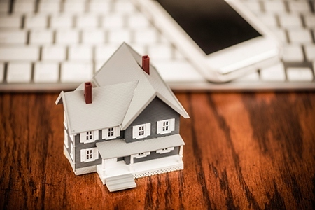 4 Ways to Use Technology to Your Advantage at an Open House