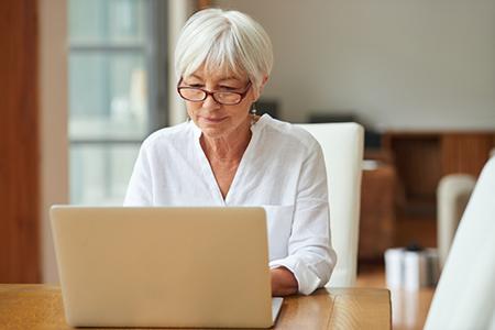 mortgage_senior_woman