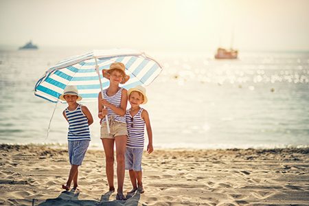6 Ways to Keep Kids Safe and Healthy on Summer Trips
