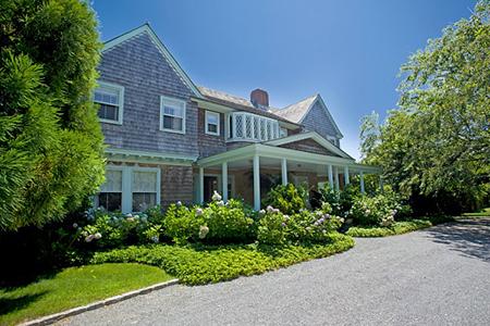 Revisiting East Hampton's Grey Gardens