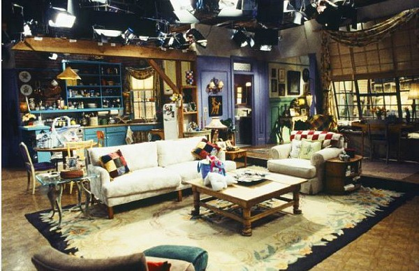 The Two Bedroom Apartment Where Monica Courtney And Rachel Jennifer Aniston Lived Is Most Of Comedy Drama Nbc S Friends Took