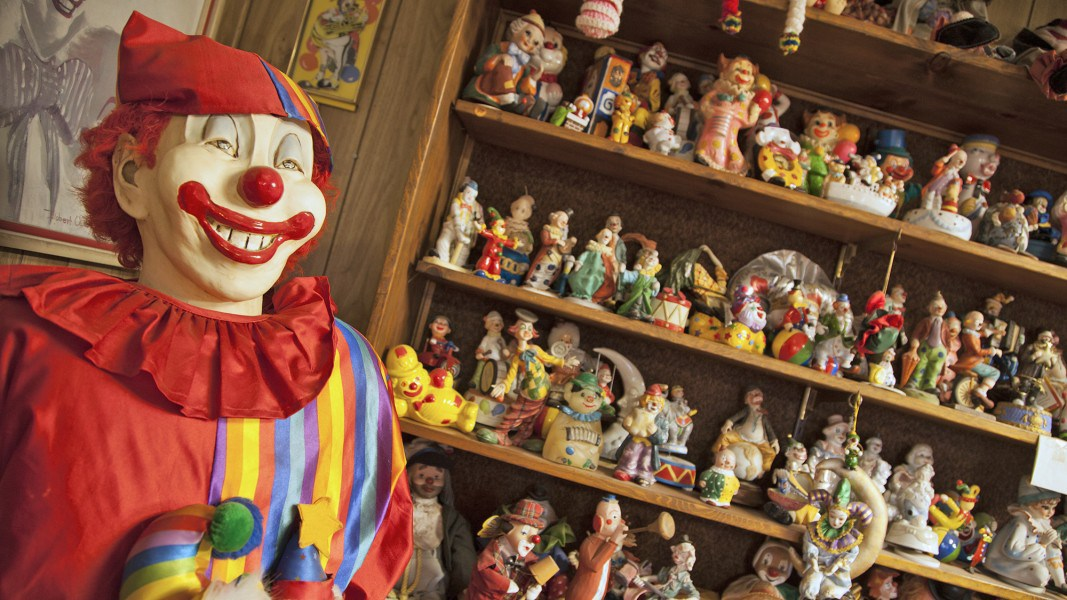 Nevada's Creepy Clown Motel Is Now for Sale - Real Estate