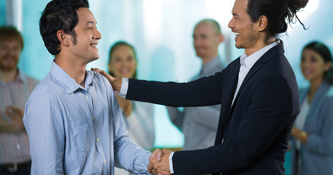 Convincing Top Agents to Jump Ship