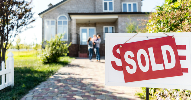 Making the Next Play: With Instant Offers, Zillow to Begin Buying and Selling