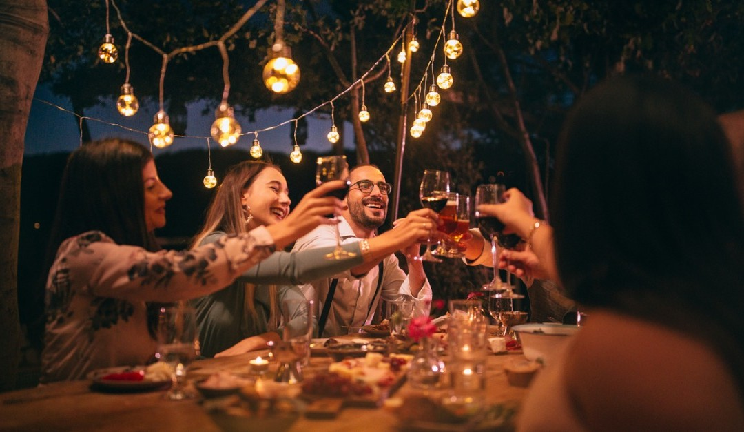 7 Tips to Hosting a Summer Party