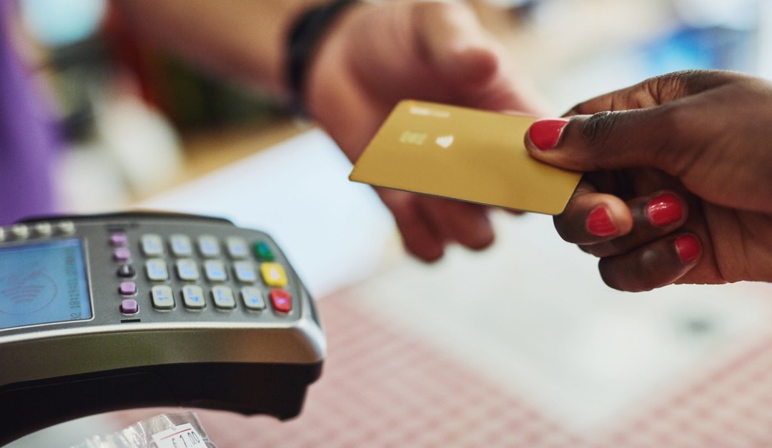 4 Places to Avoid Debit Card Usage