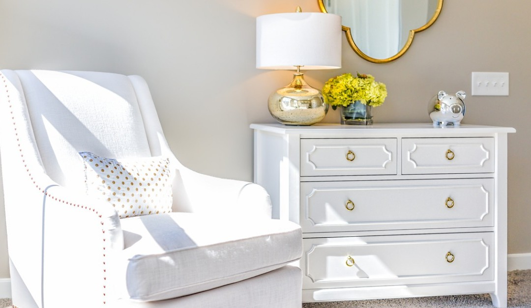 3 Steal-Worthy Tricks for Staging a Small Condo