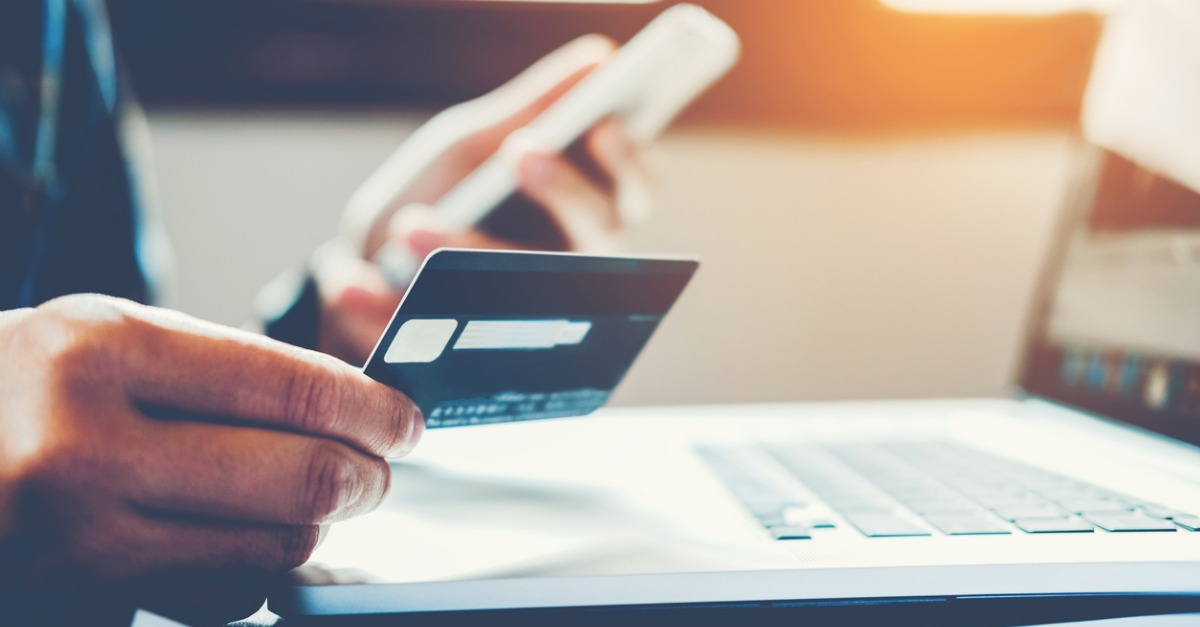 3 Common Problems to Avoid When Sharing a Credit Card With Your Spouse