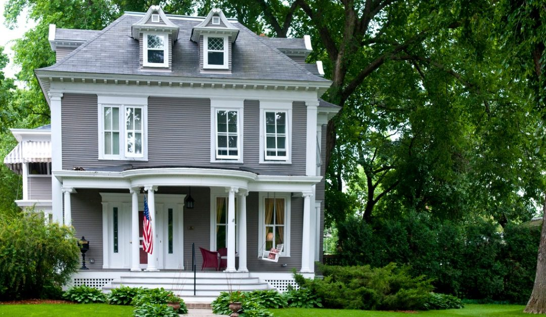 Pros and Cons of Purchasing a Historic Home