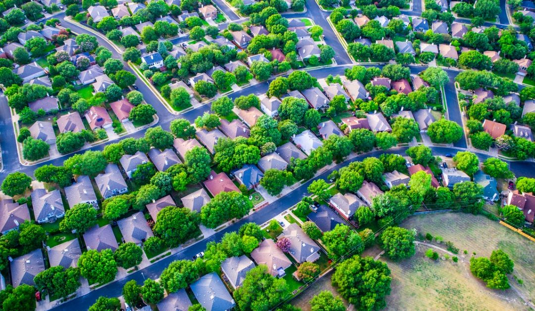 Pros and Cons of Living in the Suburbs