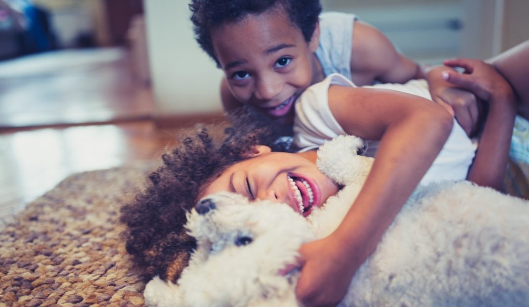 Pros and Cons of Raising Kids With Pets