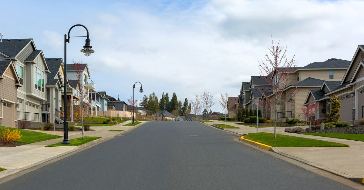 Pros and Cons of Buying a House in a Subdivision