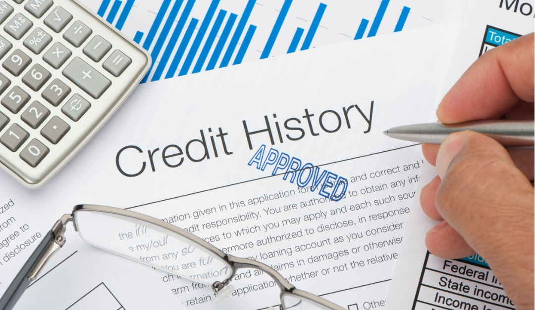 What Happens When a Mortgage Lender Checks Your Credit