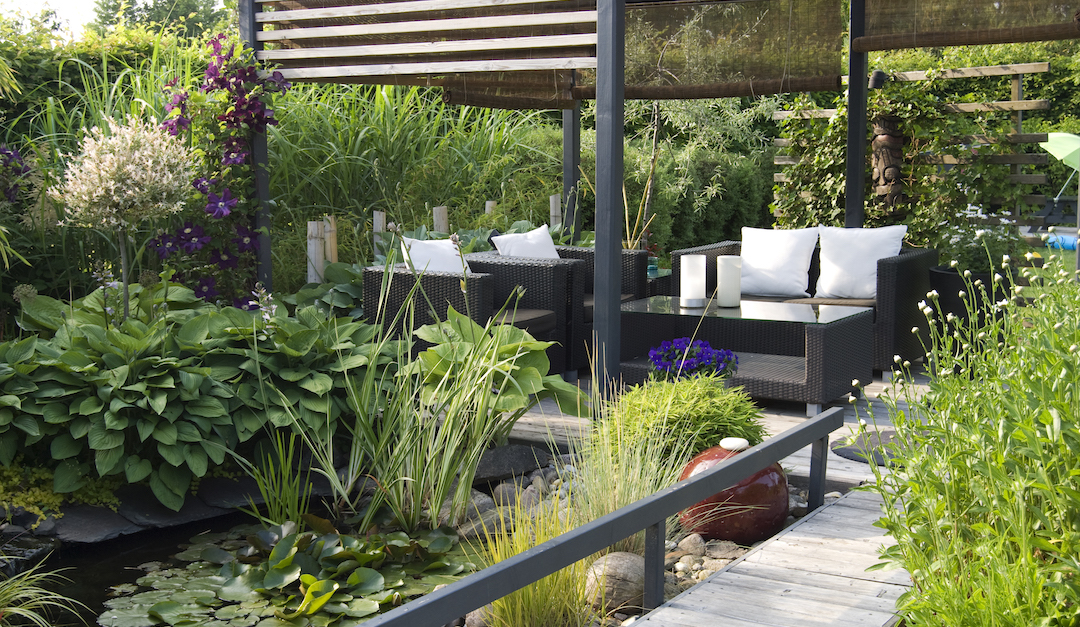 5 Elegant Styles to Elevate Your Outdoor Living Area