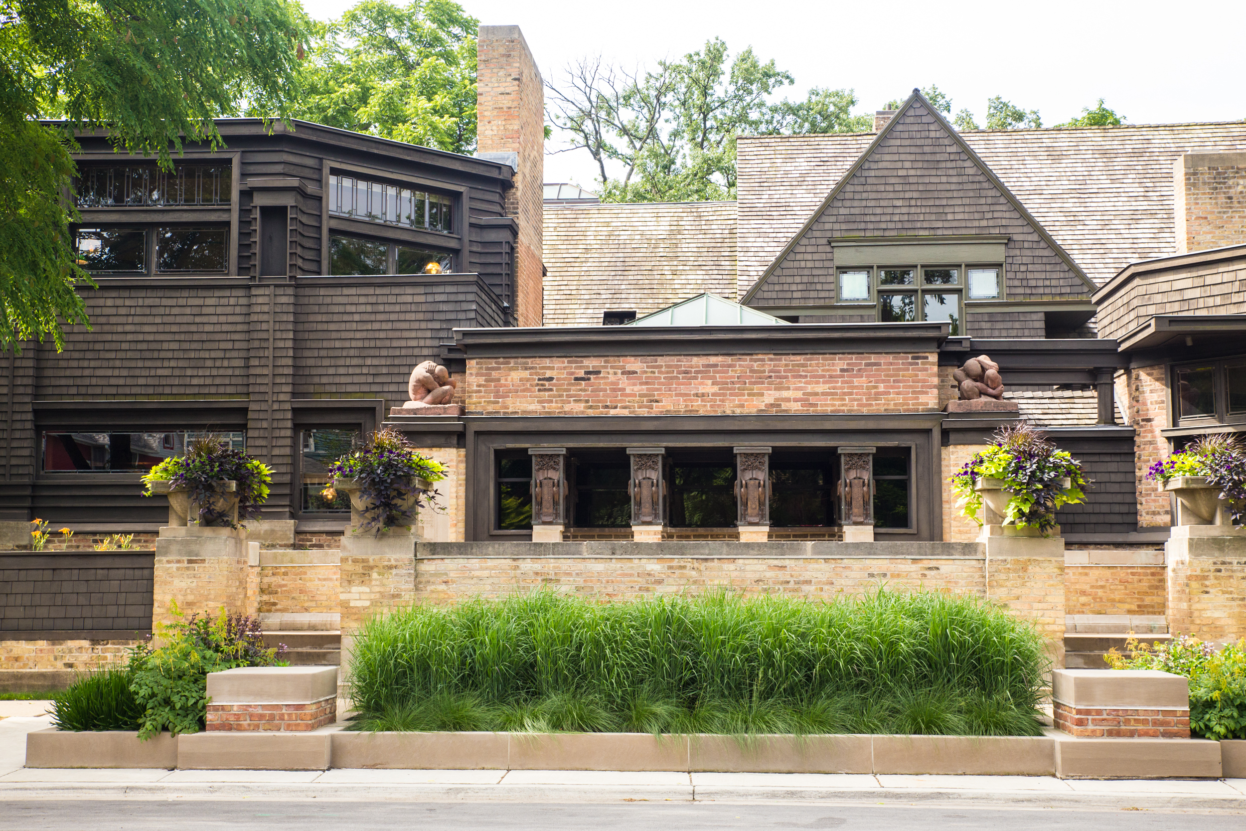 Frank Lloyd Wright Inspired Houses how to build a frank lloyd wright-inspired home — rismedia |