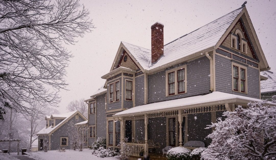 Advantages of Buying or Selling a Home in the Winter