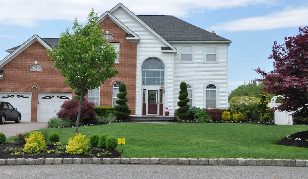 6 Landscaping Tips to Increase Homebuyer Interest