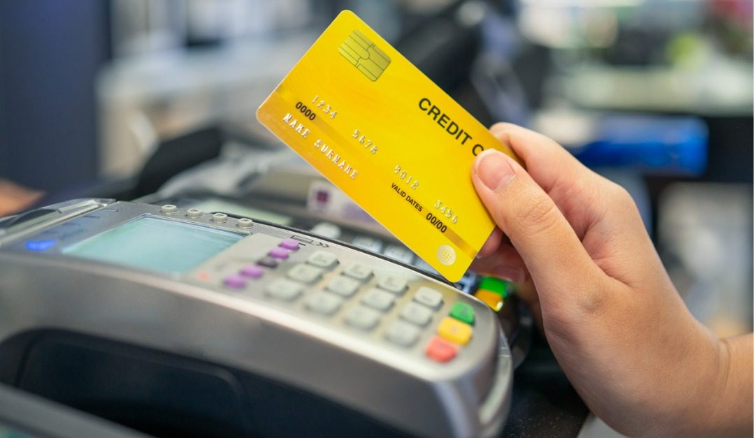 Why You Should Avoid Using Credit Cards When Shopping for a House