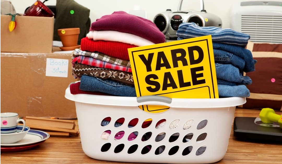 Why You Should Have a Yard Sale Before You Move