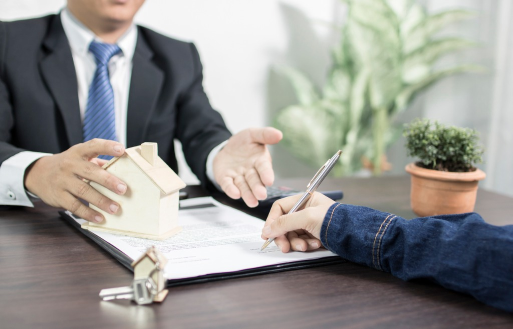 Reasons to Work With a Mortgage Broker
