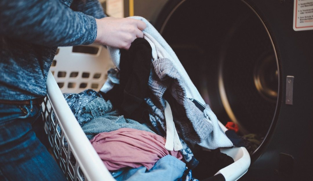How to Navigate a Shared Laundry Room