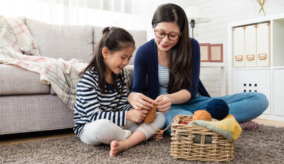 Create a Quiet, Tech-Free Family Room in 5 Simple Steps