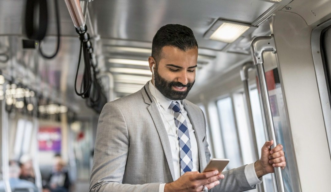 5 Ways to Pass the Time on Your Commute