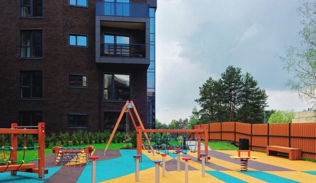 4 Kid-Friendly Amenities to Look for in Luxury Buildings