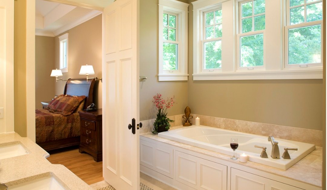 Should You Choose a House With a Master Bathroom?