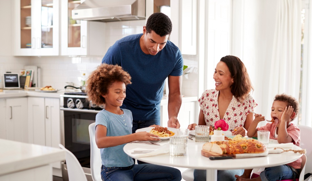 Is an Eat-in Kitchen or a Separate Dining Room a Better Choice for Your Family?