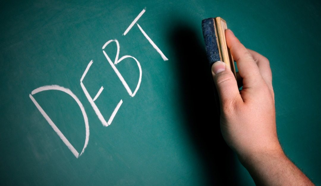 Should You Focus on Paying off All Debt Before Buying a House?