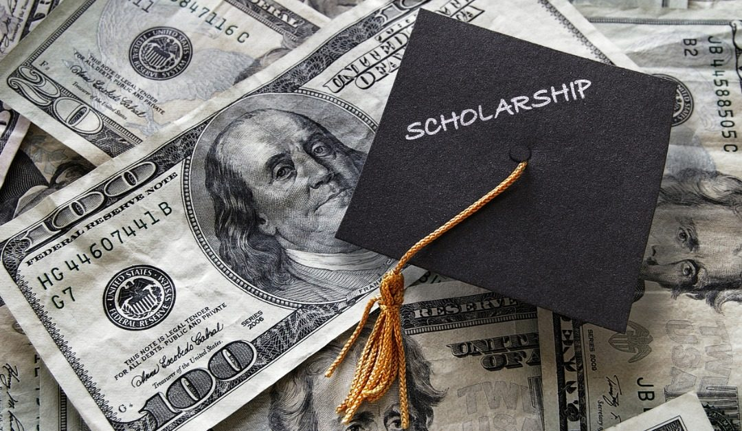 5 Tips for Getting College Scholarships