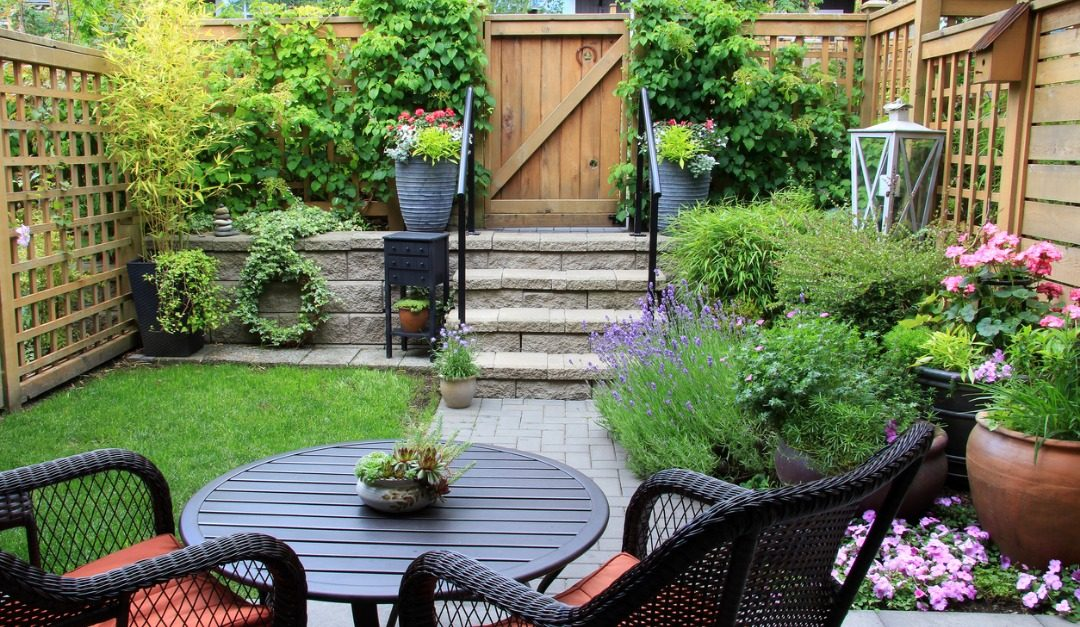 How to Maximize Space in a Small Backyard
