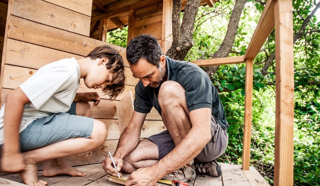 4 DIY Projects to Spruce Up Your Backyard