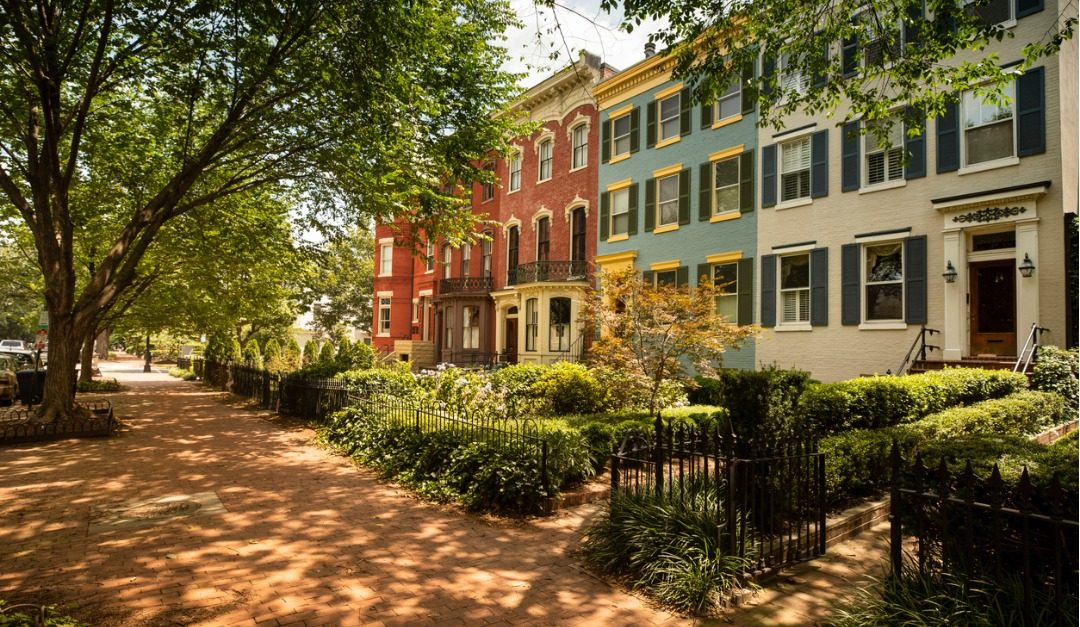 4 Reasons to Live in a City's Historic District