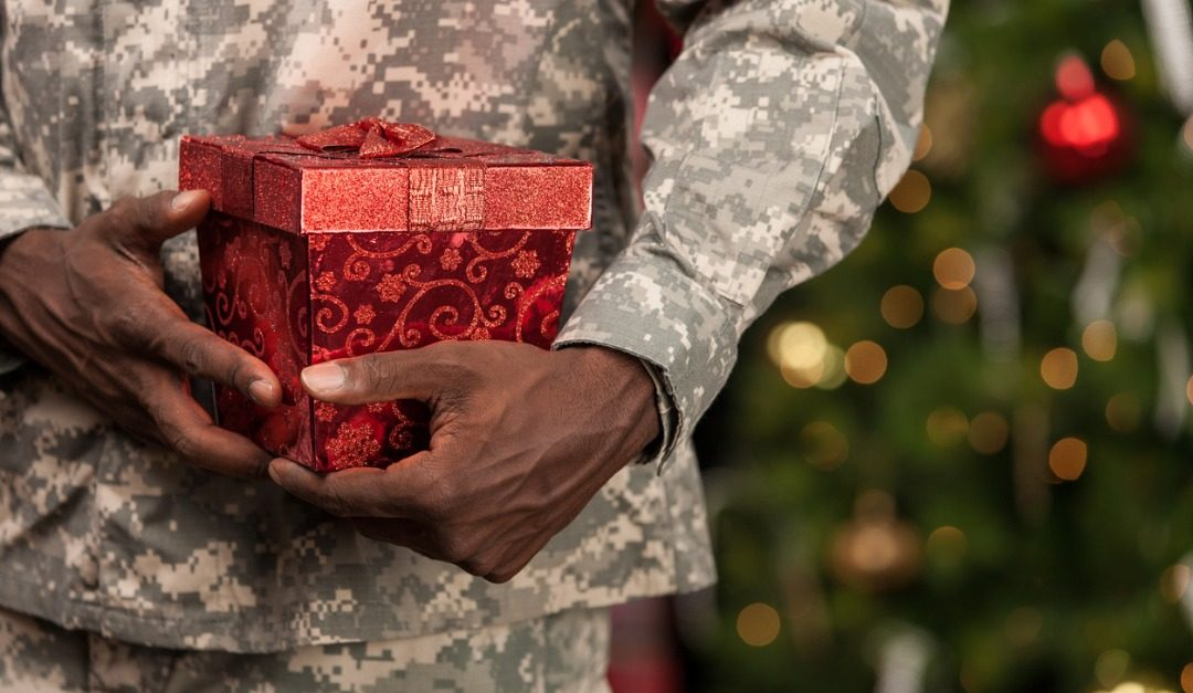 Sending Holiday Thanks to the Military