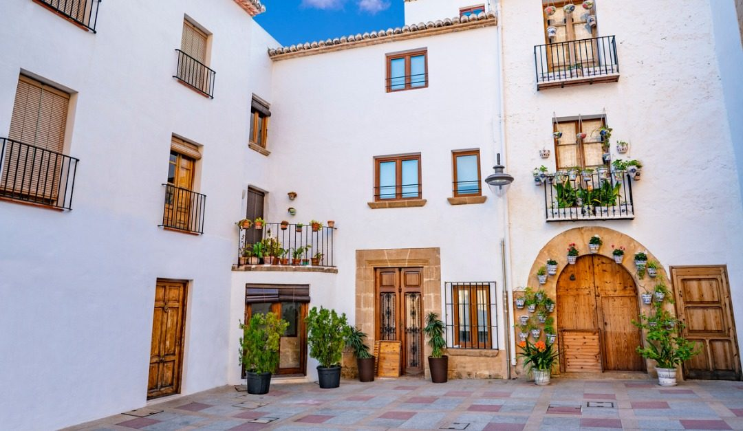 5 Beautiful Features of Spanish Revival Architecture