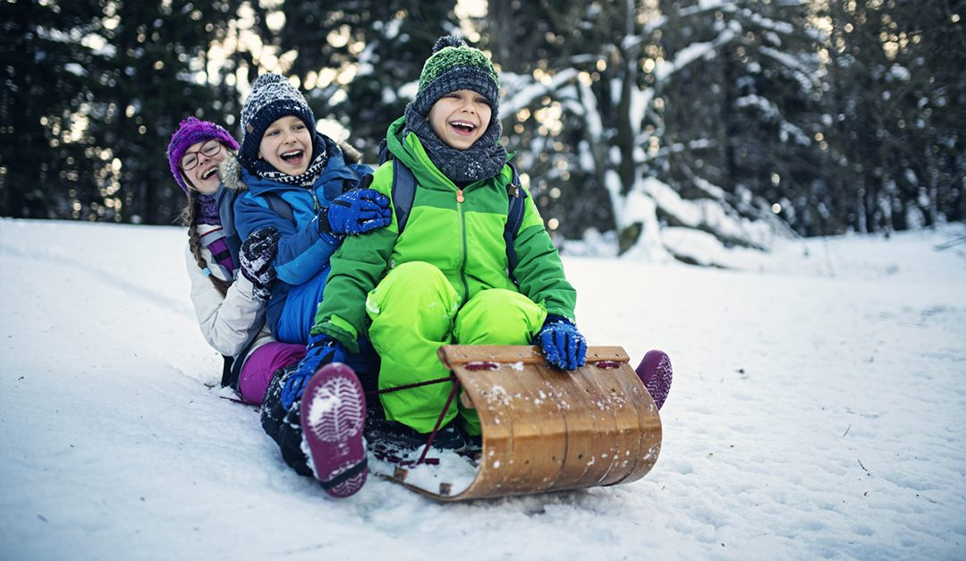 Ask the Pediatrician: What's the Best Way to Dress My Child to Play Outside When It's Really Cold?