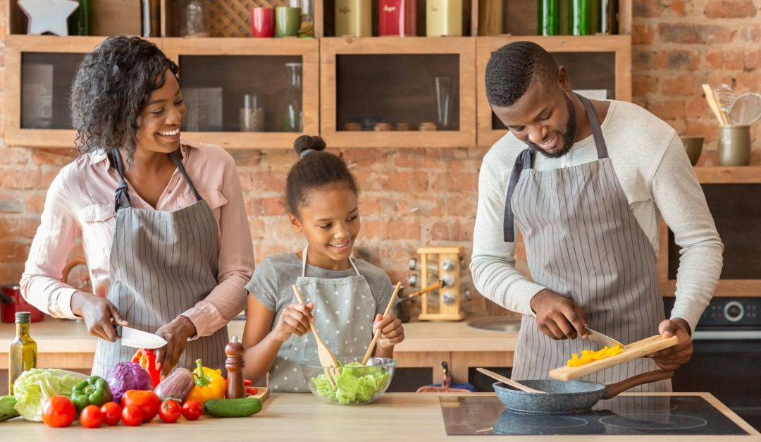 4 Tips for Navigating a Low-Carb Family Meal Plan
