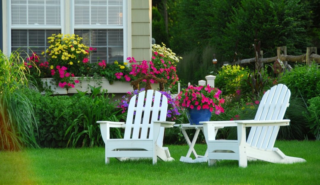 4 Timeless Chair Styles for Every Backyard